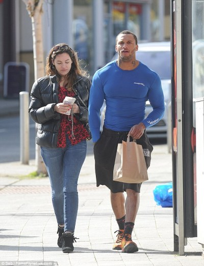 1411901275579_wps_60_Picture_Shows_Kelly_Brook